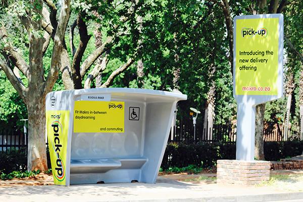 Makro Pick-up locker bus stop