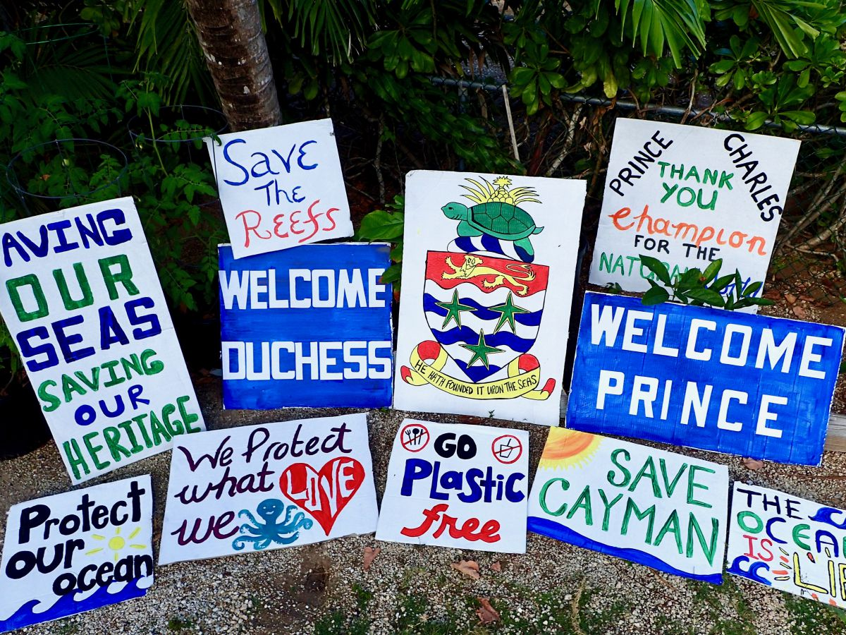 Royal visit signs