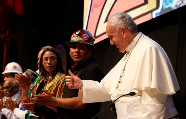 Pope Francis gives a thumbs up as he arrives to participate in the second World Meeting of Popular Movements in Santa Cruz, Bolivia, July 9. (CNS/Paul Haring)