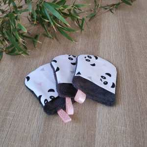 Trois débarbouillettes à motifs pandas