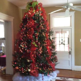 2015-tree-decorated