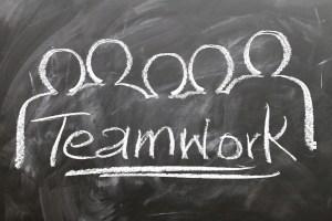teamwork-2188038_1920