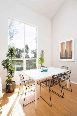 130 Small and Clean First Apartment Dining Room Ideas (2)