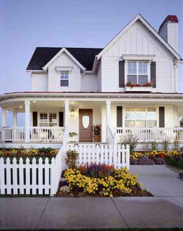 130 Stunning Farmhouse Exterior Design Ideas (130)