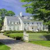 130 Stunning Farmhouse Exterior Design Ideas (16)