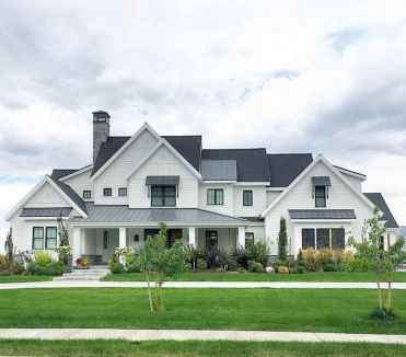130 Stunning Farmhouse Exterior Design Ideas (89)