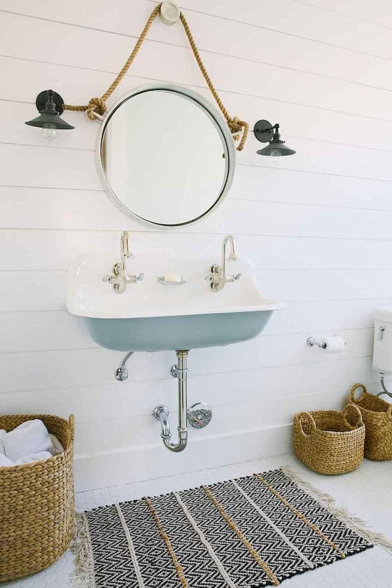 30 Amazing Coastal Nautical Bathroom Remodel Ideas (21)