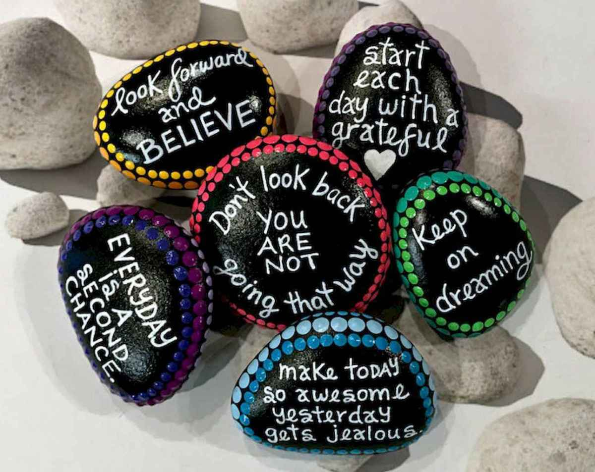50 DIY Painted Rock Ideas for Your Home Decoration (22)