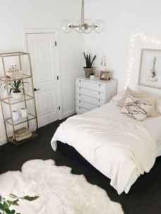 60 Inspiring DIY First Apartment Decorating Ideas (37)
