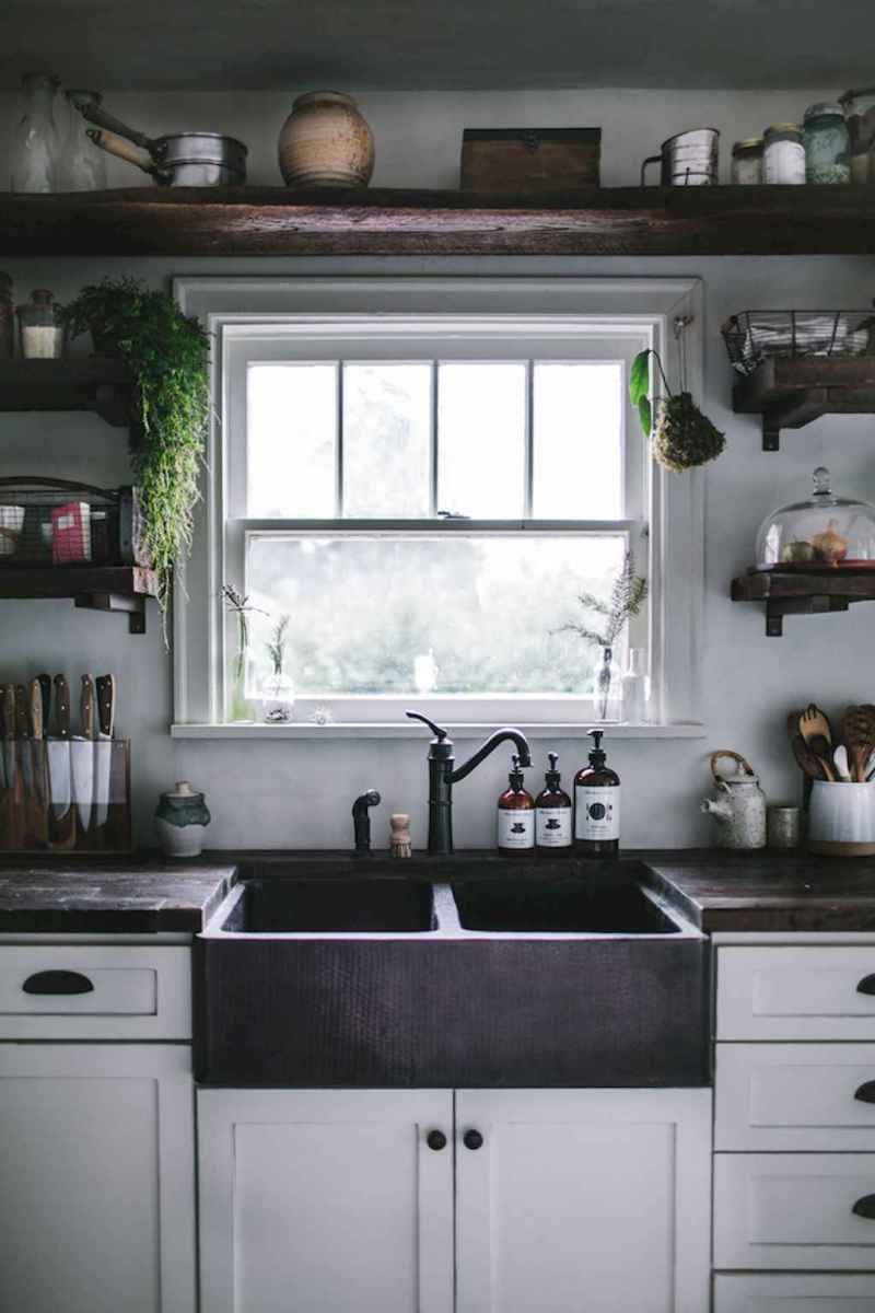 60 Inspiring Rustic Kitchen Decorating Ideas (30)
