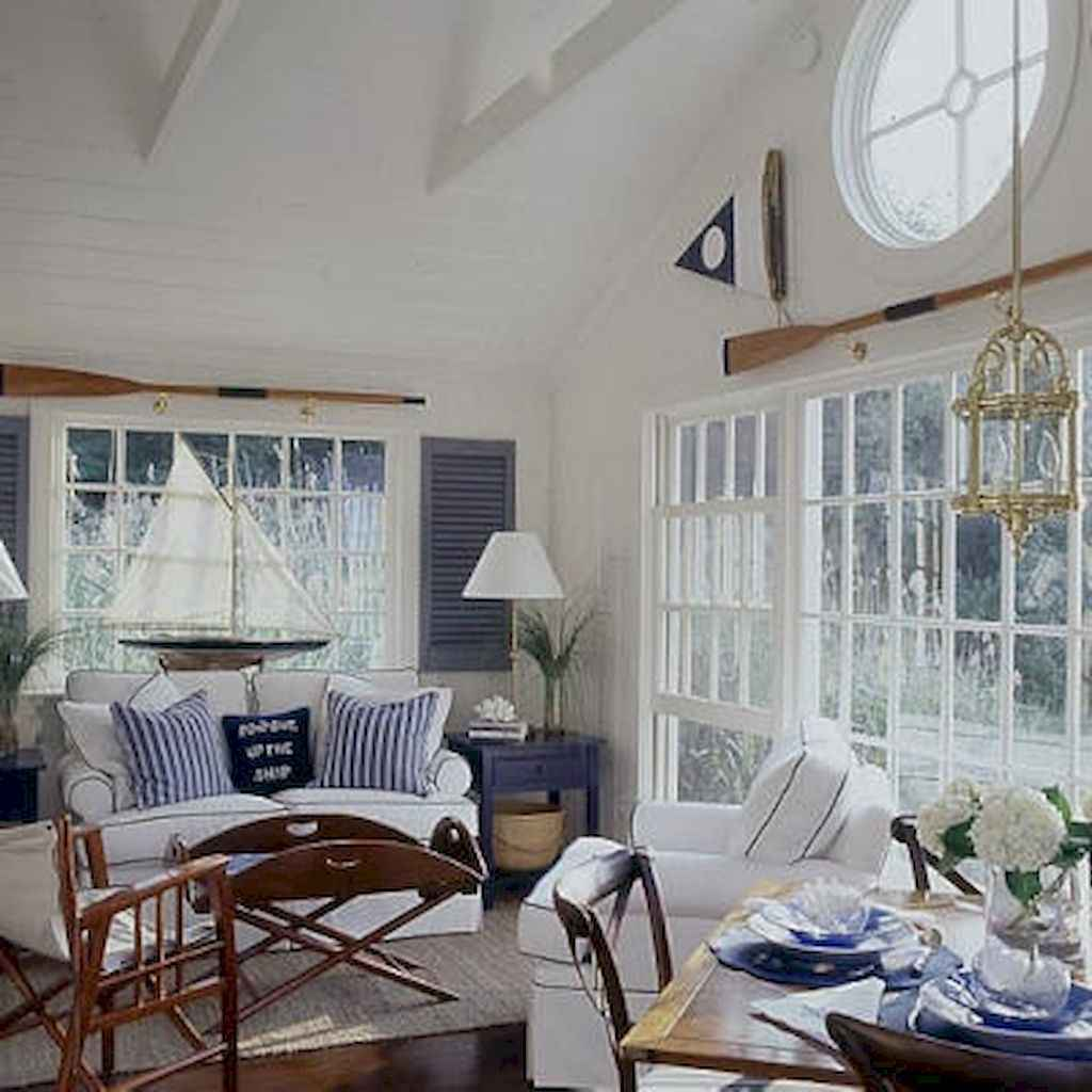 70 Cool and Clean Coastal Living Room Decorating Ideas (10)