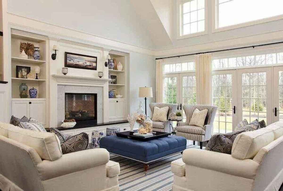 70 Cool and Clean Coastal Living Room Decorating Ideas (11)