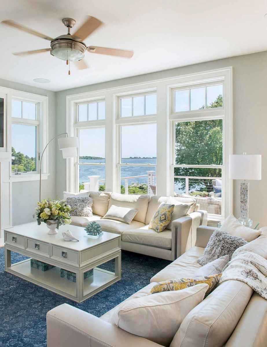 70 Cool and Clean Coastal Living Room Decorating Ideas (17)