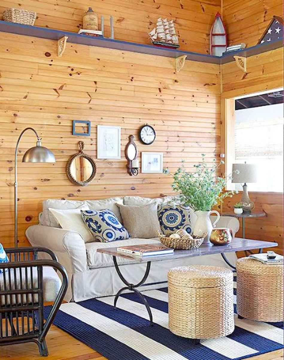 70 Cool and Clean Coastal Living Room Decorating Ideas (2)