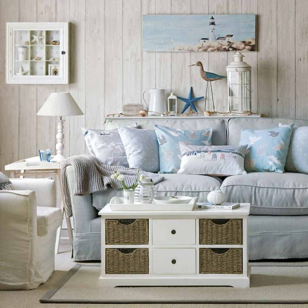 70 Cool and Clean Coastal Living Room Decorating Ideas (45)