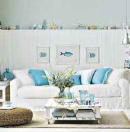 70 Cool and Clean Coastal Living Room Decorating Ideas (52)