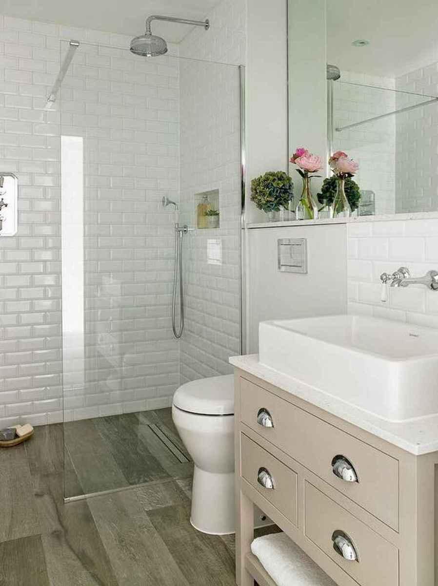 80 Amazing Master Bathroom Remodel Ideas (33)