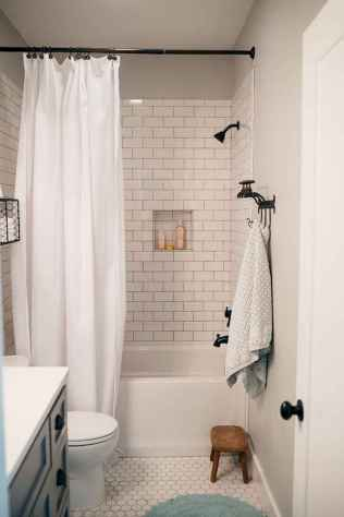 80 Amazing Master Bathroom Remodel Ideas (34)