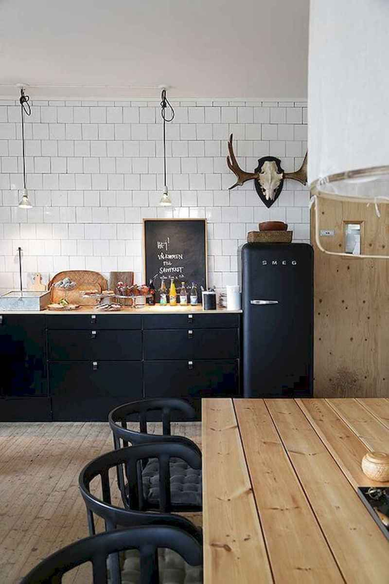 60 Black Kitchen Cabinets Design Ideas (41)