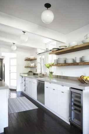 70 Brilliant Small Apartment Kitchen Decor Ideas (27)