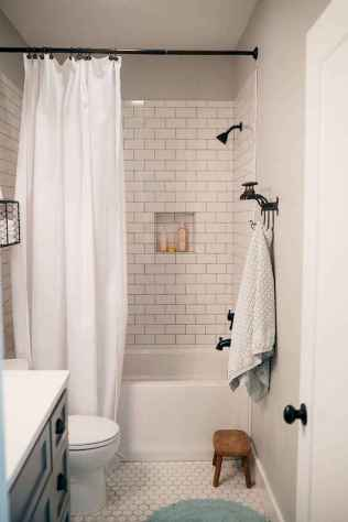 111 Best Small Bathroom Remodel On A Budget For First Apartment Ideas (63)