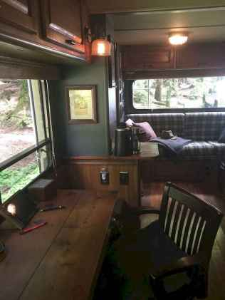 70 Brilliant RV Living Iinterior Remodel Ideas On A Budget (54)
