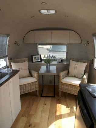 70 Brilliant RV Living Iinterior Remodel Ideas On A Budget (55)