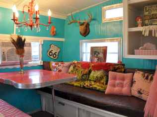 70 Brilliant RV Living Iinterior Remodel Ideas On A Budget (63)