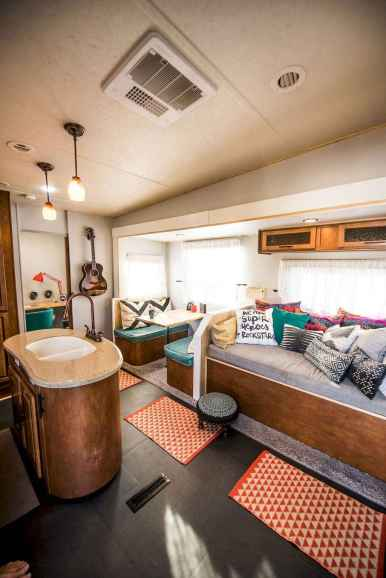 70 Brilliant RV Living Iinterior Remodel Ideas On A Budget (9)