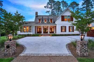 90 Awesome Modern Farmhouse Exterior Design Ideas (53)