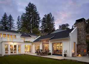 90 Awesome Modern Farmhouse Exterior Design Ideas (65)