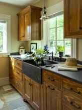 90 Best Farmhouse Kitchen Cabinet Design Ideas (143)