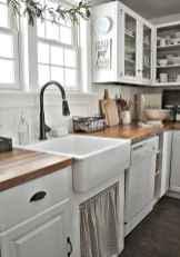 90 Best Farmhouse Kitchen Cabinet Design Ideas (155)
