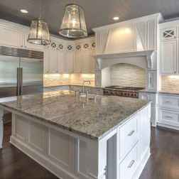100 Elegant White Kitchen Cabinets Decor Ideas For Farmhouse Style Design (31)