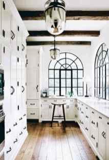 100 Elegant White Kitchen Cabinets Decor Ideas For Farmhouse Style Design (39)