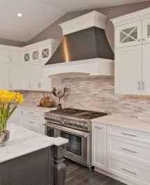 100 Elegant White Kitchen Cabinets Decor Ideas For Farmhouse Style Design (51)