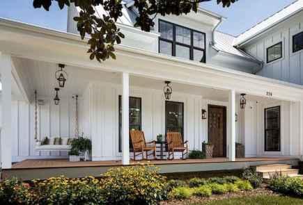 110 Beautiful Farmhouse Porch Decor Ideas (71)