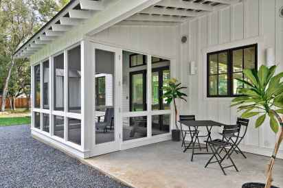 110 Beautiful Farmhouse Porch Decor Ideas (9)