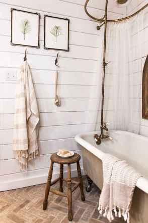 110 Fabulous Farmhouse Bathroom Decor Ideas (113)
