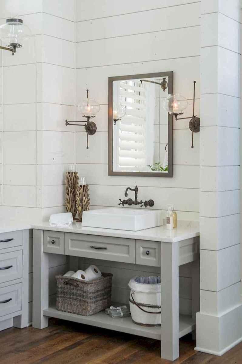 50 Amazing Farmhouse Bathroom Vanity Decor Ideas (82)