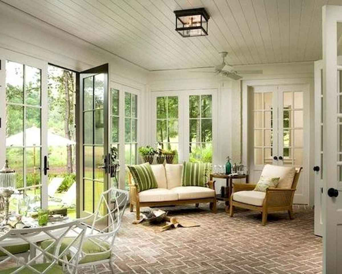 35 Best Farmhouse Sunroom Decor Ideas and Remodel (27)