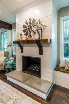 40 Awesome Farmhouse Fireplace Decor Ideas and Remodel (19)