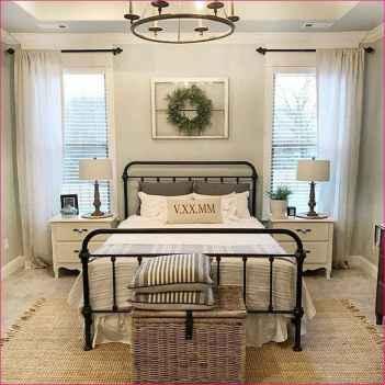 40 Modern Farmhouse Bedroom Decor Ideas and Makeover (16)
