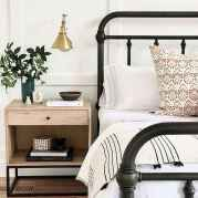 40 Modern Farmhouse Bedroom Decor Ideas and Makeover (26)