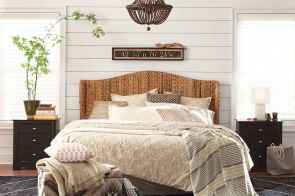 40 Modern Farmhouse Bedroom Decor Ideas and Makeover (3)