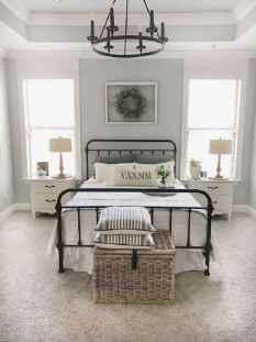 40 Modern Farmhouse Bedroom Decor Ideas and Makeover (9)
