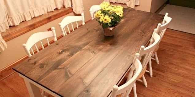 60 Brilliant Farmhouse Kitchen Table Design Ideas and Makeover (32)