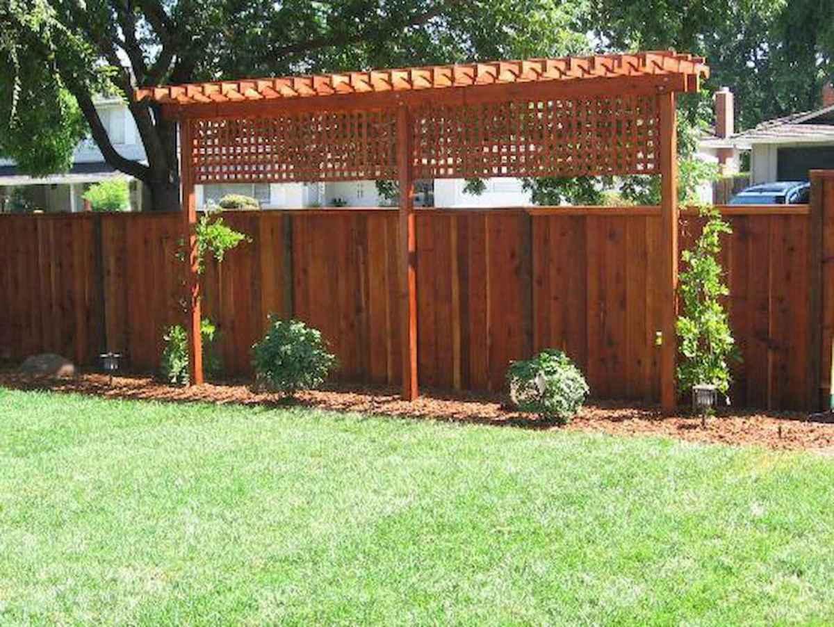 70 Gorgeous Backyard Privacy Fence Decor Ideas on A Budget (13)