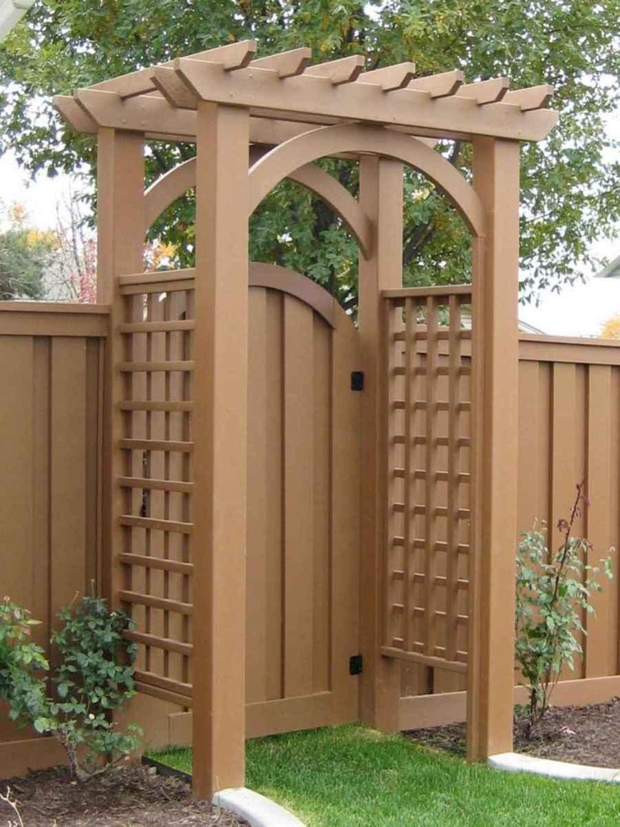 70 Gorgeous Backyard Privacy Fence Decor Ideas on A Budget (15)
