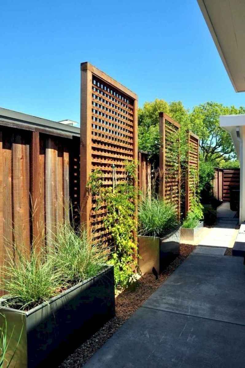 70 Gorgeous Backyard Privacy Fence Decor Ideas on A Budget (16)